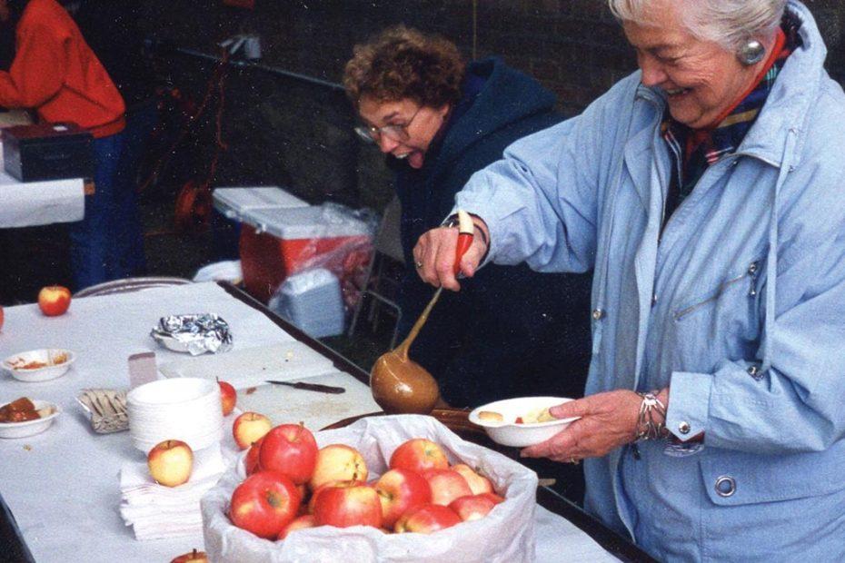 Macintosh Apple Day